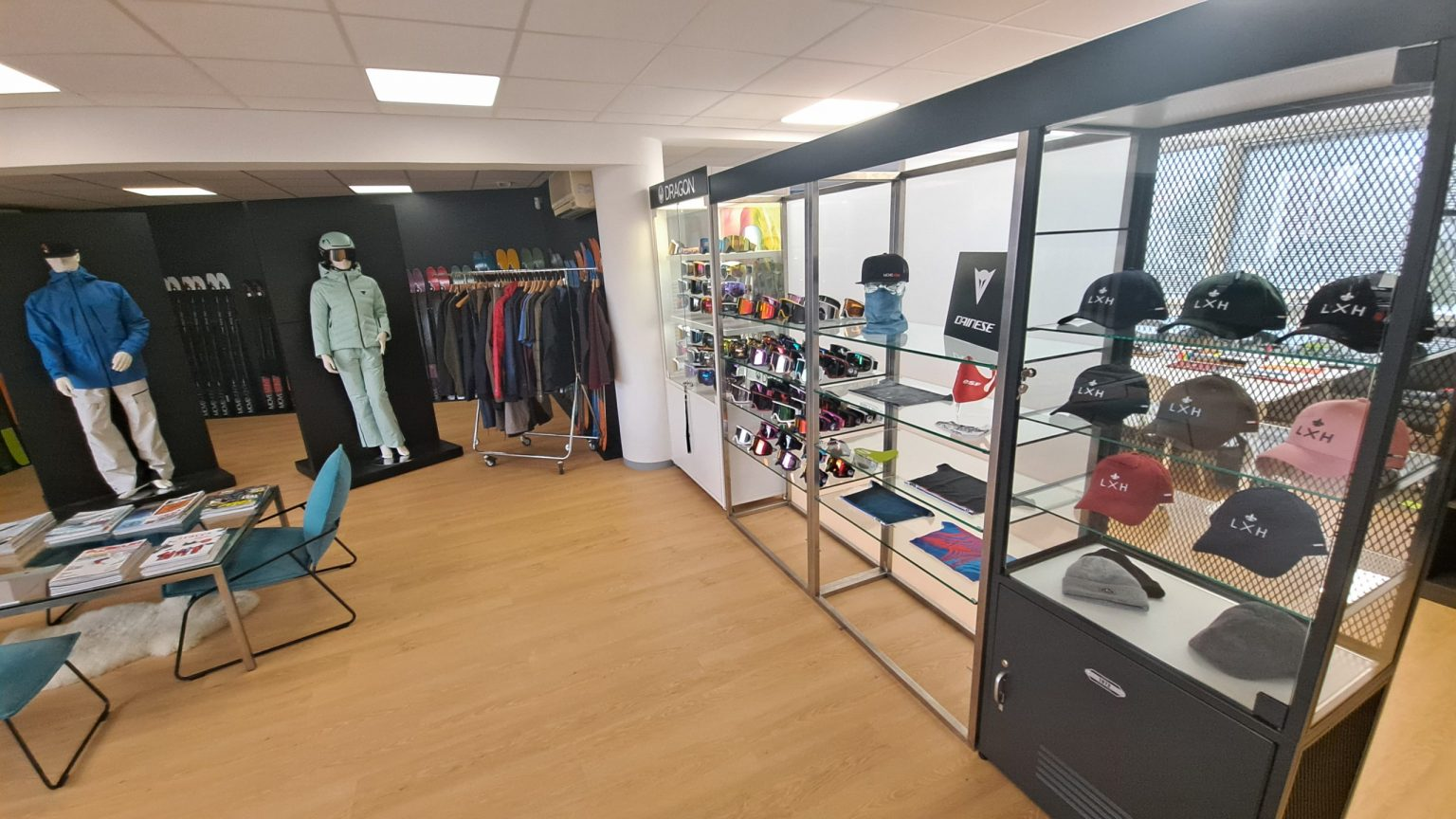 showroom agence yop aux glaisins annecy